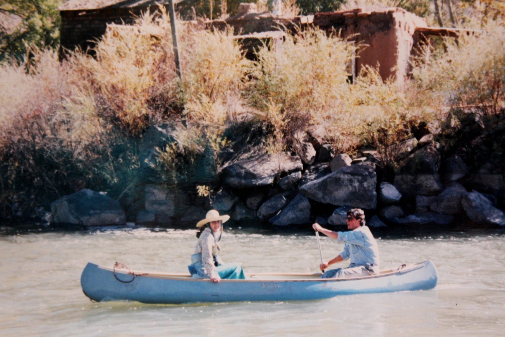 Canoeing-to-the-Motif-on-the-Rio-Grande